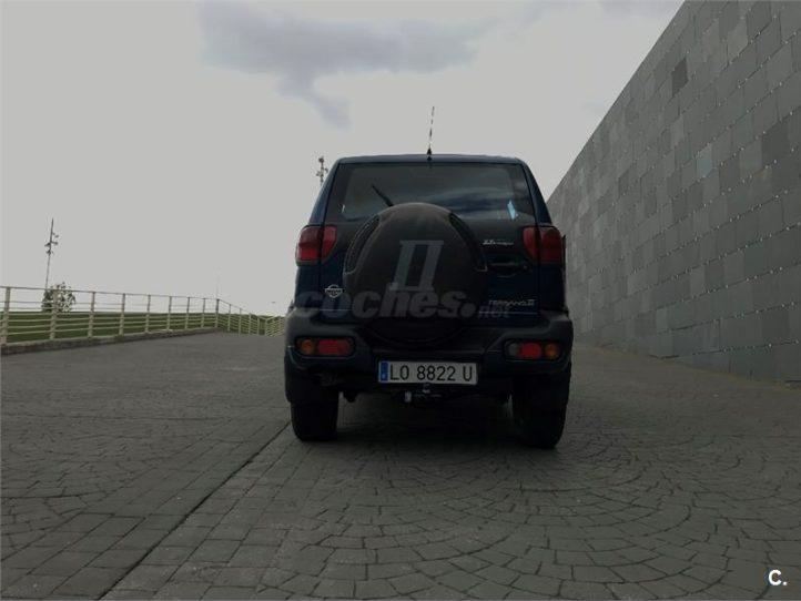 Nissan Terrano II Trasera
