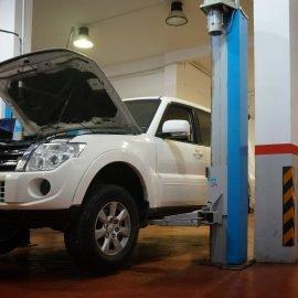 Revisión y mantenimiento de vehículos